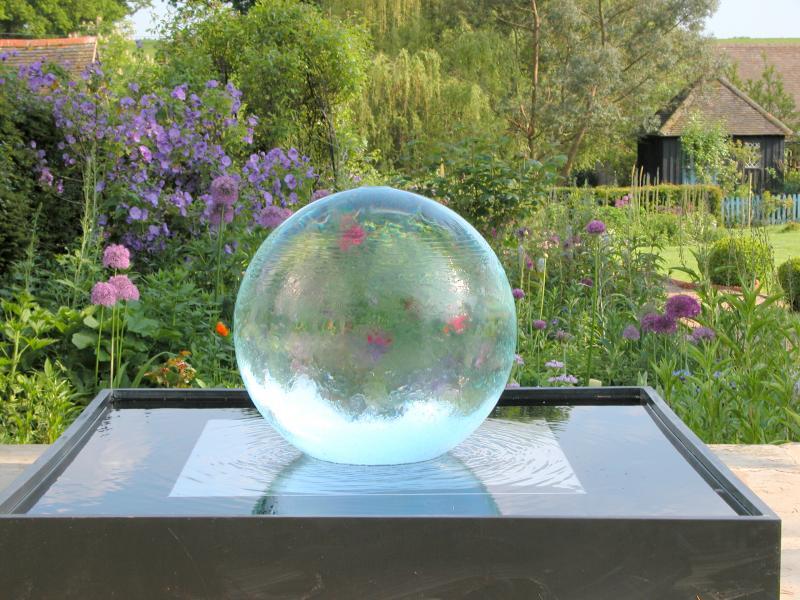 Water feature designhouse9 for Sphere garden design